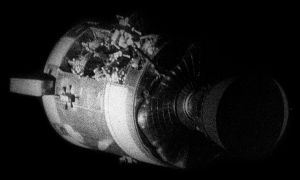 Apollo13_-_SM_after_separation