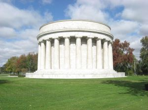 1024px-Harding_Tomb_in_Marion